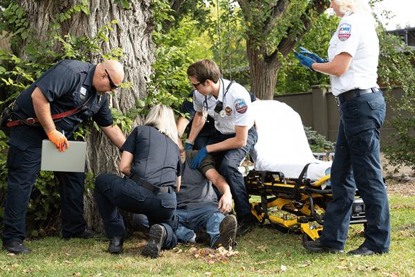 ems-team-stroke-response-900x601