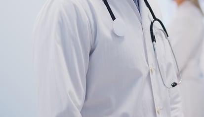 md-coat-stethoscope