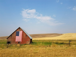 rural-barn-american-flag-700x525
