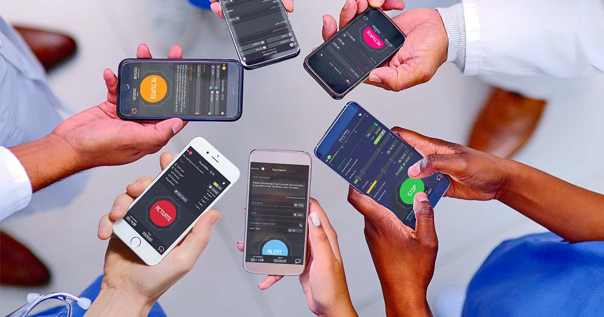 hospital-team-cell-phones-pulsara